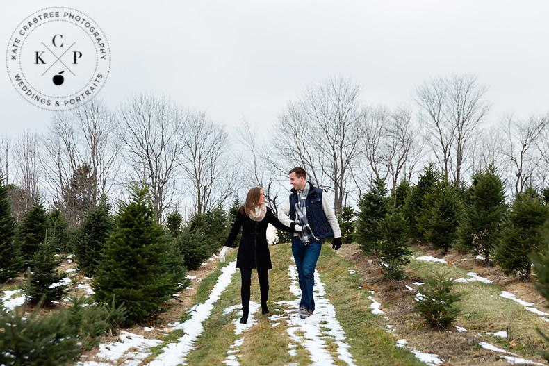 christmas-tree-farm-engagement-portraits-ae (1)