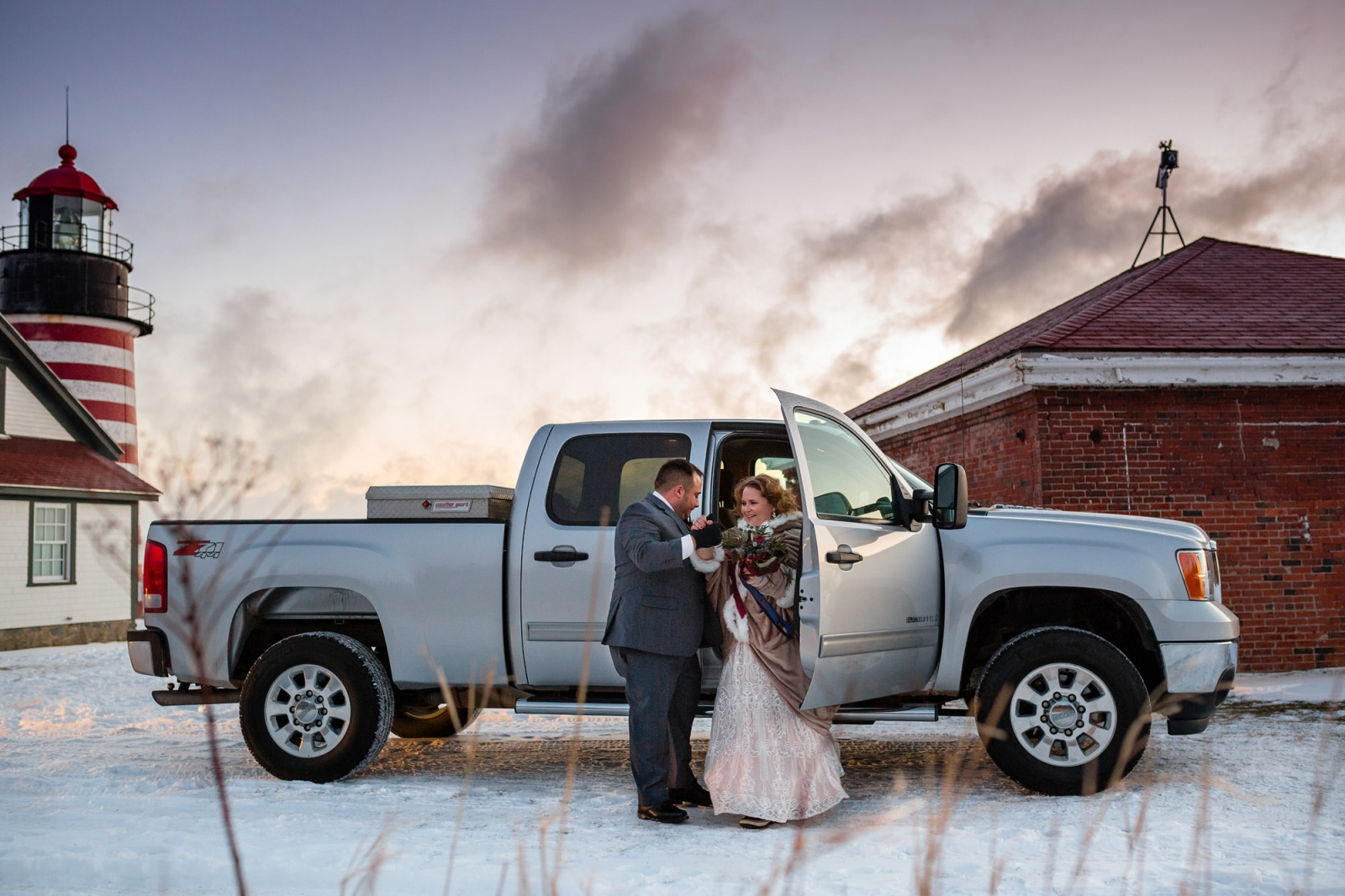 Sunrise elopement photographer in Maine